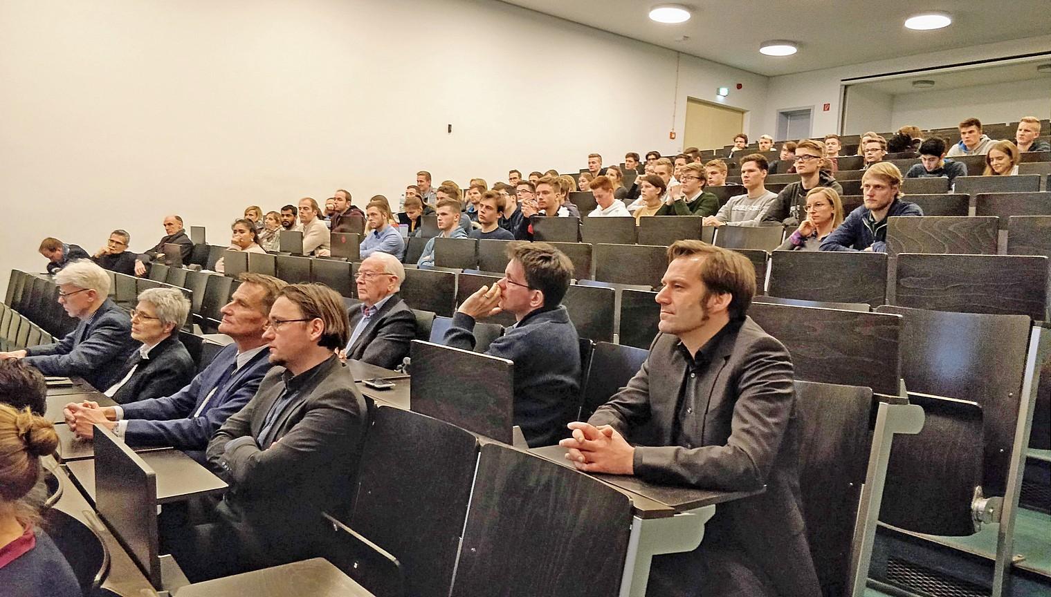 Publikum: Heinz-Nixdorf-Vorlesung von Herrn Dipl.-Vw. Ludger Becker